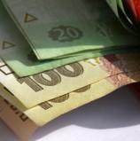 Українцям платять в день, як американцям за годину
