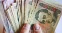 79-річний дідусь поміняв гроші на сувенірні долари