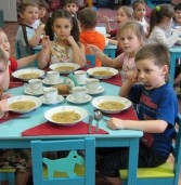 Харчування дітей в школах та садочках подорожчає