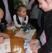 Юні дубенчани зустрілись із дитячим письменником з Києва