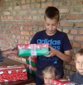Дітям з окупованих територій вручили подарунки