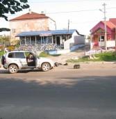 «Нива» не пропустила мопеда – водій потрапив у лікарню (фото)