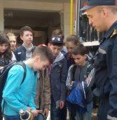 Школярі пізнавали професію рятувальників (фото)